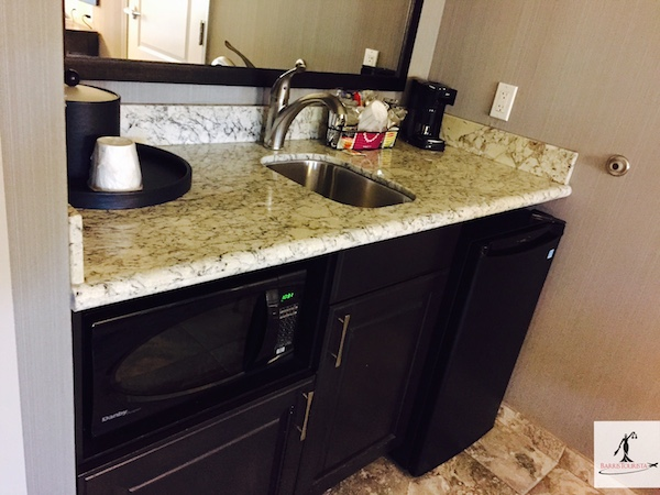 BarrisTourista-Hampton Inn Temecula Kitchenette