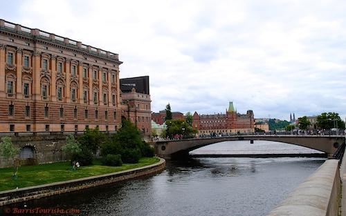 BarrisTourista-Stockholm Bridge small